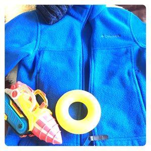 ✅✅Columbia jacket blue kids SZ 6/7
